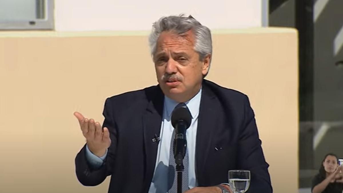 El Presidente Alberto Fernández encabezó un acto en el Parque Industrial Hudson (Foto: captura de YouTube).