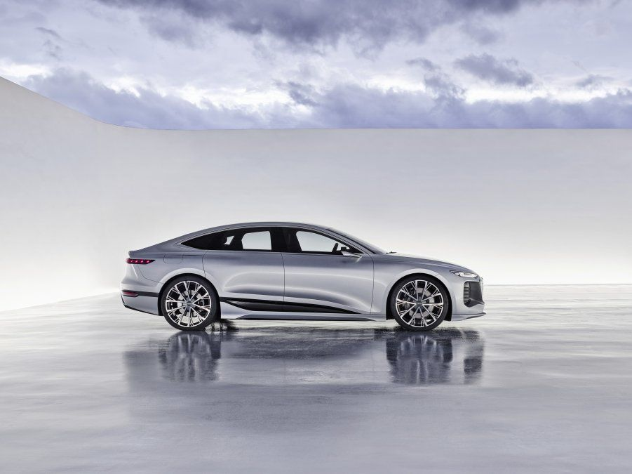 La aerodinámica siempre ha desempeñado un papel fundamental en la larga historia de éxitos de Audi en el segmento de las berlinas de lujo. Con un valor de 0.30