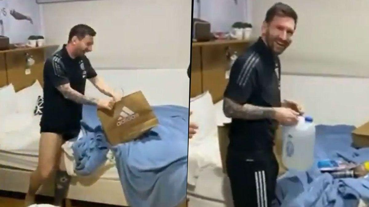 A Messi le regalaron un bidón con agua bendita.