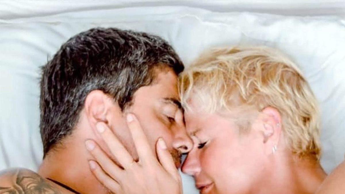 Xuxa junto a su novio, Junno Andrade.