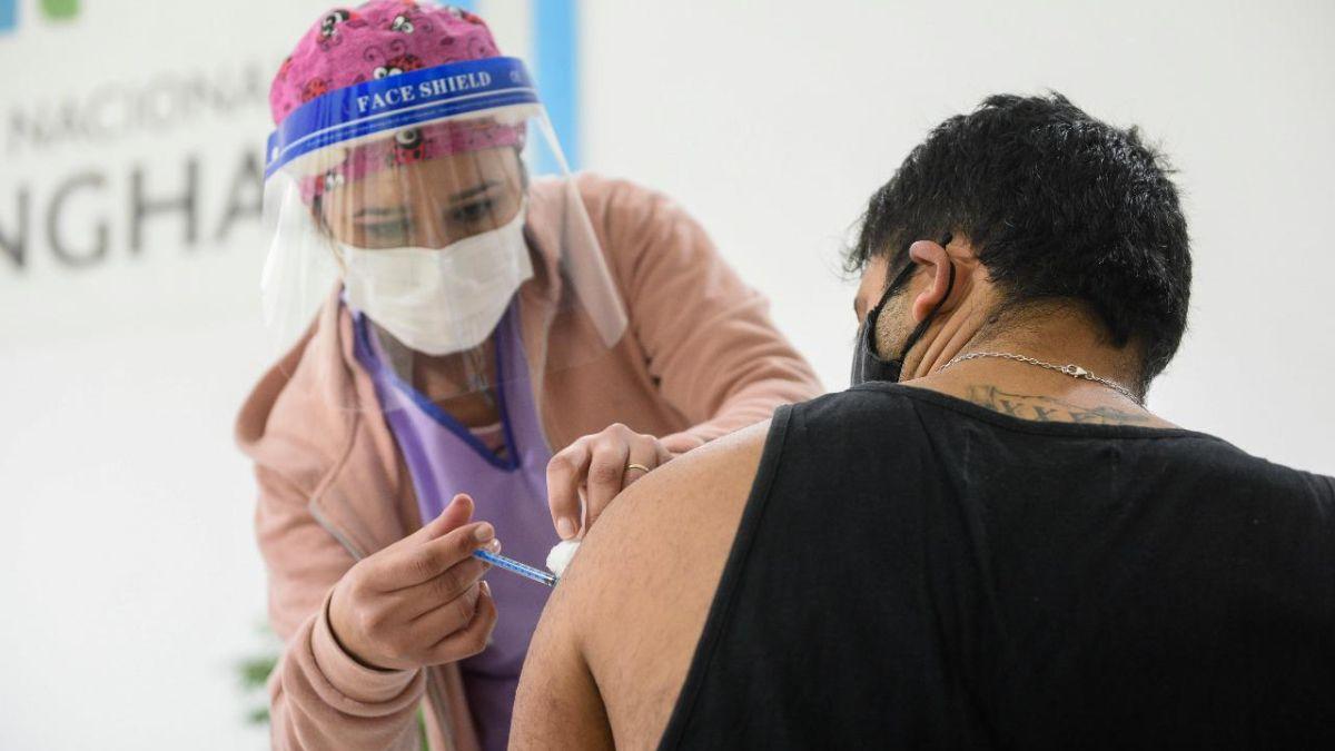 Este sábado comienza la vacunación libre para mayores de 60 años en la provincia de Buenos Aires