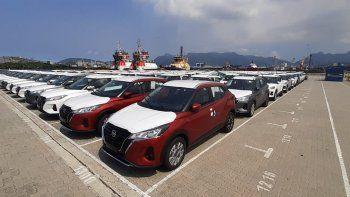 Como parte del proyecto de exportación de Nissan, los primeros lotes, con un total de más de 1.000 unidades del nuevo Kicks, van en barco para atender el mercado argentino. La fábrica cumple 7 años en abril y recibió inversiones de R $ 100 millones para la producción de los nuevos Kicks, con los que la automotriz espera alcanzar la marca de 50 mil unidades producidas en un año a partir de ahora.