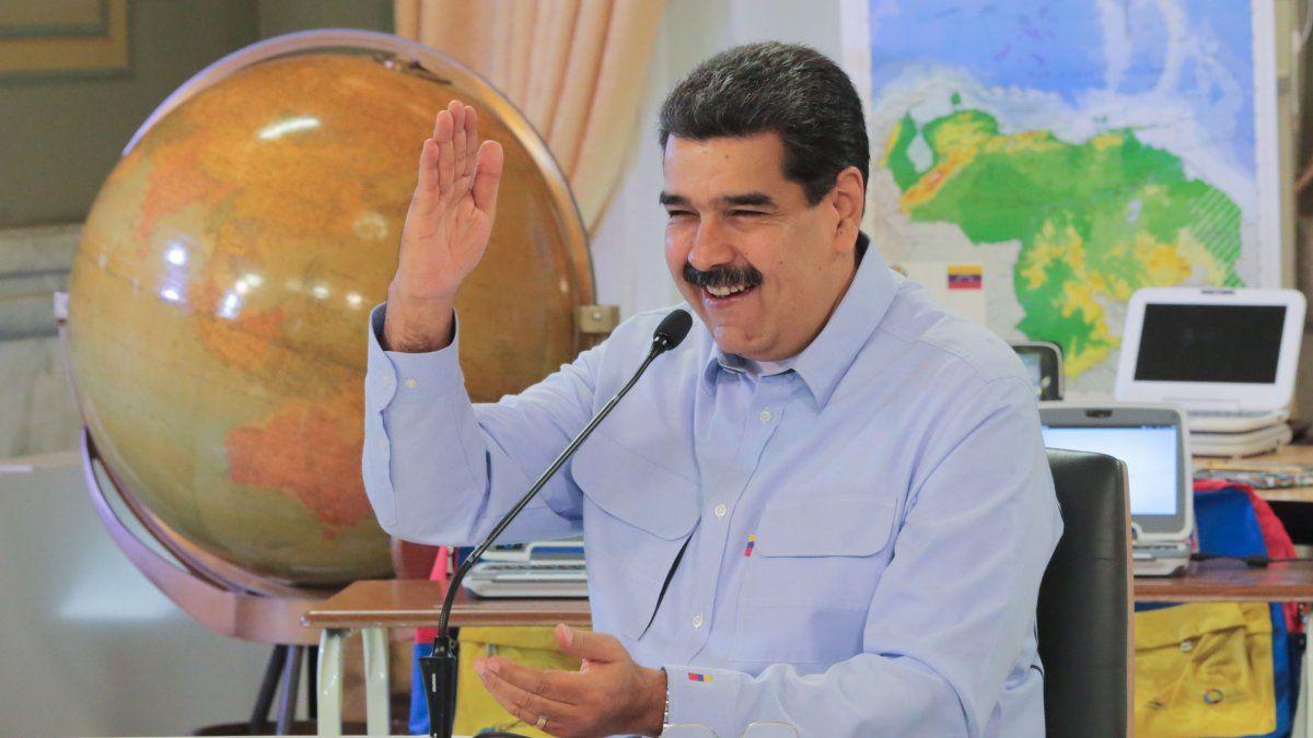 Maduro y una doble sorpresa: acuerdo amplio con Corea del Norte y gallinas contra la escasez de alimentos