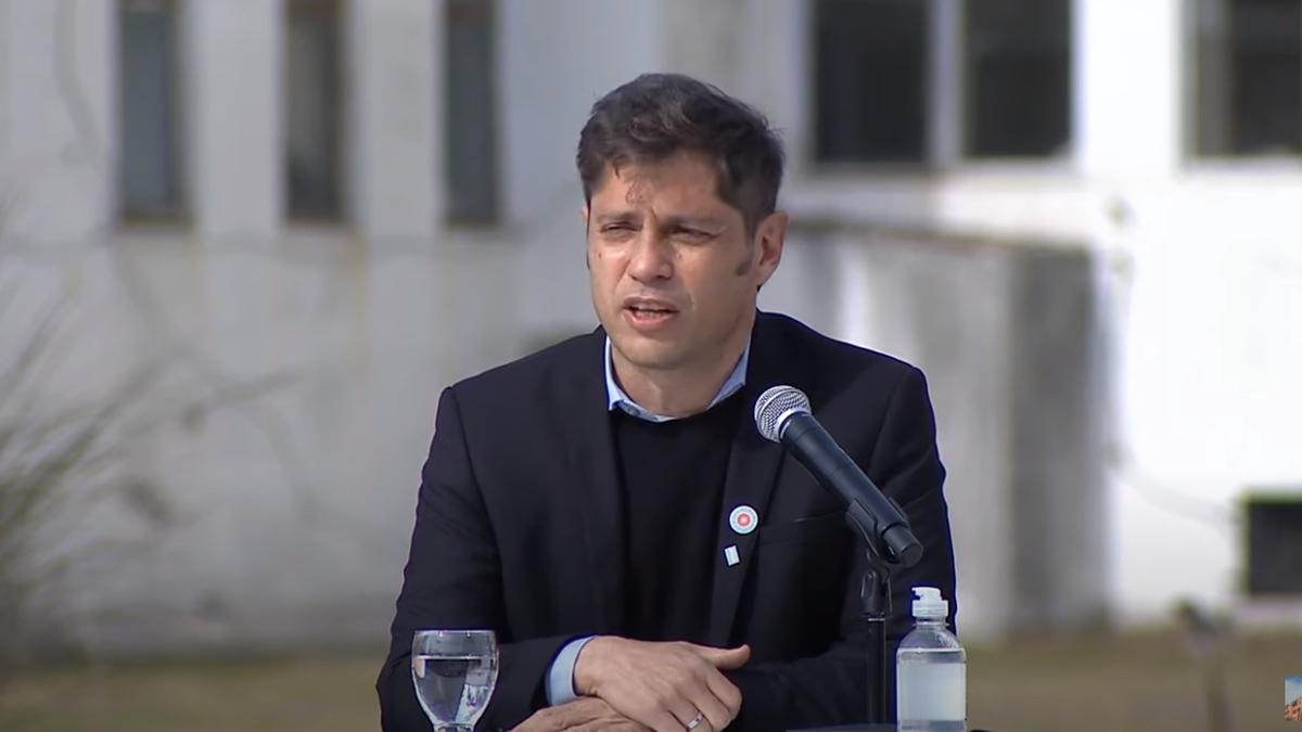 El Gobernador de la Provincia de Buenos Aires, Axel Kicillof, en el acto en Florencio Varela (Foto: Captura de YouTube).