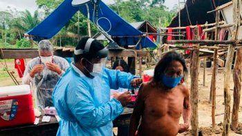 Acorralado por la escasez de vacunas, el Brasil de Bolsonaro cambia los ataques a China por la diplomacia
