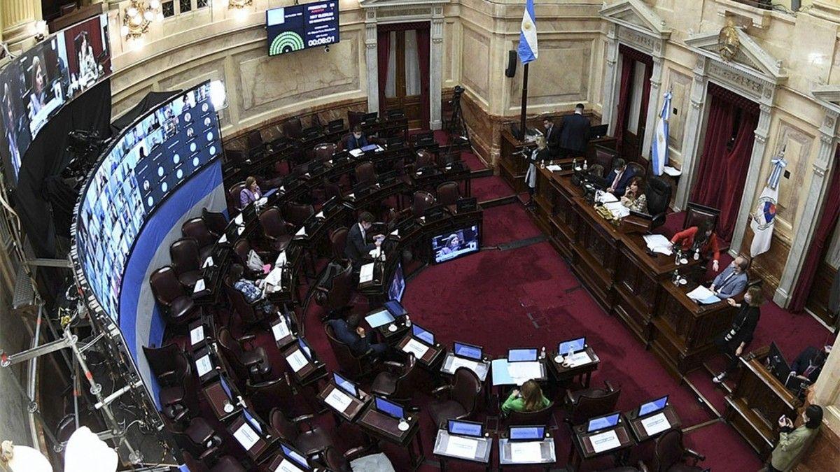 Se aprobó la ley Promoción del cupo laboral para personas Travestis