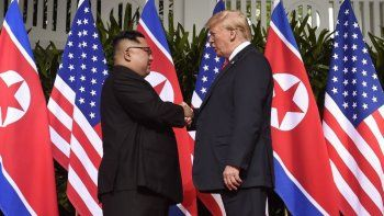 El apretón de manos de Trump y  Kim Jong-un en Singapur