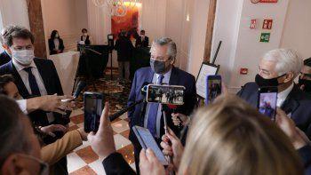Alberto trae de su gira la postergación de los pagos del Club de París y avances con el FMI