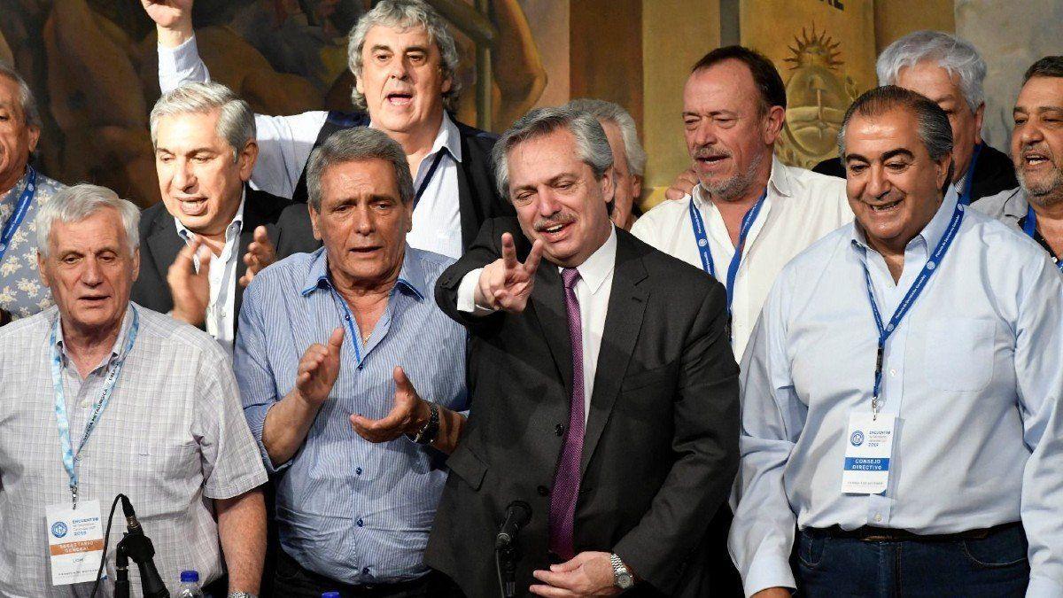 Alberto Fernández con sindicatos
