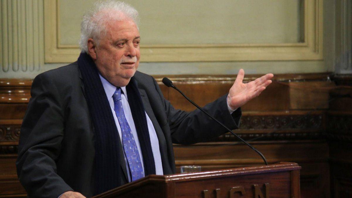 Ginés González García expondrá en Diputados el plan de vacunación